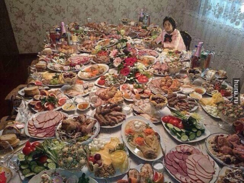 Русские девушки обнажаются прилюдно 24 фотография